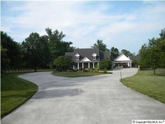 58 Old Camargo Rd, Fayetteville, TN 37334