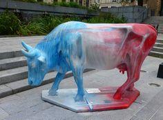 Cow parade de  Valenciennes -- Cow Parade Valencia -- Valenciennes, Nord-Pas-de-Calais, France Cow Parade, Calais France, Lion Sculpture, Statue, Street, Art, Cow, Art Background, Kunst