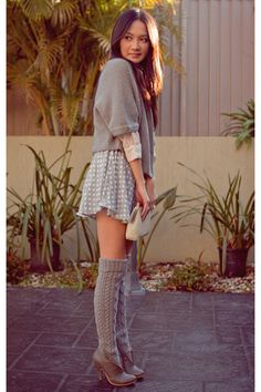Gray Tall Boats Outfit Knee Socks Ideas For 2019 Tall Socks, Grey Socks, Gray Boots, Grey Outfit, Preppy Mode, Preppy Style, Fall Outfits, Casual Outfits, Outfit