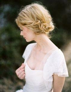 Dia de Beauté - http://revista.vogue.globo.com/diadebeaute/2011/05/moodboard-de-noiva/