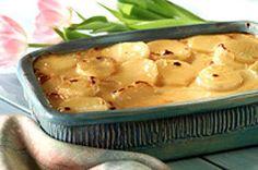 Gratin de pommes de terre classique au VELVEETA ------------------Un plat d'accompagnement classique. Dans cette recette, les pommes de terre et les oignons sont cuits à la perfection dans une sauce à base de fromage VELVEETA. Tranchez, étagez et enfournez!