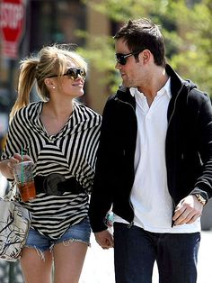 Hilary Duff + her hubby are expecting their first baby! Love her. Shell make the cutest mommy