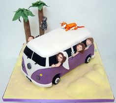 Great brief on this one! Bride asked for a purple camper to match the purple of her shoes, their three cats, their two kids and the bride and groom themselves! All travelling across the desert in Dubai where they work. Moist lemon sponge infused with Limoncello syrup and layered with lemon curd and lemon Italian buttercream.