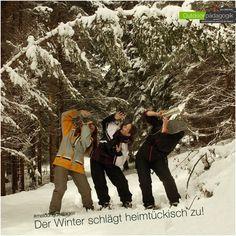 +++ Schlagzeile +++ Drei Frauen von Winter bedroht! Wie wir soeben erfahren haben, wurden im Tiroltal gestern drei junge Frauen ohne Vorwarnung vom Winter angegriffen. Durch beherztes und mutiges Handeln gelang es den drei mutigen Damen, die Attacke abzuwehren und zu entkommen. Die Fahndung läuft :-)   #natur #gefahren #fakenews #outdoor #outdoorpädagogik
