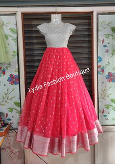 Long Gown Dress, Long Dresses, Prom Dresses, Formal Dresses, Designer Anarkali Dresses, Designer Dresses, Jewellery Designs, Gold Jewellery, Cotton Frocks For Kids