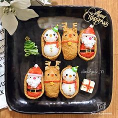 Holiday cooking detail are available on our site. look at this and you wont be sorry you did. Christmas Party Food, Xmas Food, Food Crafts, Diy Food, Bento Box Lunch For Kids, Japanese Christmas, Japanese Food Art, Kawaii Bento, Bento Recipes