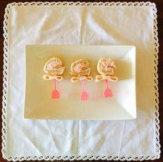 Flores de crema de salami para baby shower