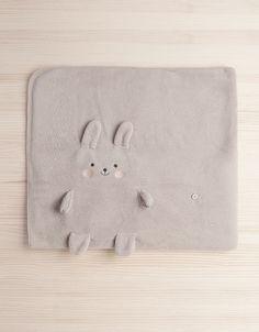 Oysho rabbit blanket