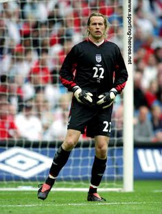 Ian Walker, tipped to be the next England's no. 1 in the but he failed to live up that expectations :( He only collected less than 6 caps for England England Players, Bristol Rovers, Tottenham Hotspur Football, Ipswich Town, England Football, International Football, Goalkeeper, The Past, Soccer