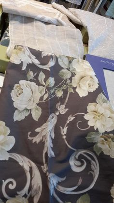 LOT yazlık etekleriniz için bu senenin modası gül desenli kumaşları öneriyor. Wallquest English Garden