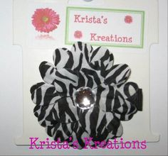 ‪#‎C‬-05: Mini Zebra Daisy Crystal Rhinestone Black Lined Alligator Clip ‪#‎zebra‬ ‪#‎black‬ ‪#‎crystal‬ ‪#‎daisy‬ ‪#‎flower‬ ‪#‎hairclip‬ ‪#‎clip‬ ‪#‎alligatorclip‬ ‪#‎kristaskreations‬ https://www.facebook.com/KristasKreationsEtc