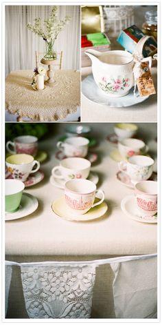 Australian DIY wedding | http://www.100layercake.com/blog/2012/02/22/australian-diy-wedding-amy-stephen/
