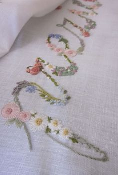 Elisabetta hand embroidery: A loving intent