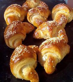 Τυροπιτάκια !!! ~ ΜΑΓΕΙΡΙΚΗ ΚΑΙ ΣΥΝΤΑΓΕΣ 2 Greek Recipes, Pretzel Bites, French Toast, Bakery, Food And Drink, Favorite Recipes, Bread, Breakfast, Drinks