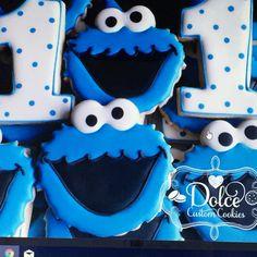 Dolce 1st Birthday Parties, Baby Birthday, Birthday Ideas, Monster 1st Birthdays, Cookie Monster Party, Sesame Street Cookies, Birthday Cookies, Custom Cookies, Cookie Decorating