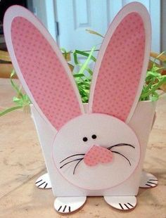 Fun Bunny basket for Easter. Easter Art, Hoppy Easter, Easter Crafts, Easter Bunny, Easter Eggs, Bunny Crafts, Easter Table, Easter Decor, Spring Crafts