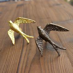 Sparrow Knob in Gold or Bronze - Bird Cabinet Knob Woodland Nursery - Hardware for Dresser - Animal knobs