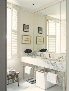 Mármore no banheiro Designer: Veere Grenney Associates Fotógrafo: Simon Upton Fonte: The World of Interiors Outubro 2013
