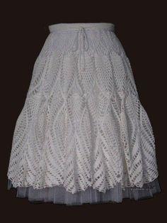 crochelinhasagulhas: Saia branca em crochê