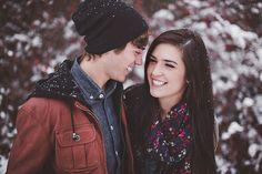 Winter Snow Engagement – Suzy   Esteban