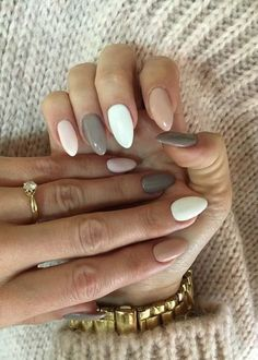 Acrylic Nails Coffin Short, Fall Acrylic Nails, Acrylic Nail Designs, Oval Nail Designs, Cute Gel Nails, Pretty Nails, Ongles Beiges, Acylic Nails, Fire Nails