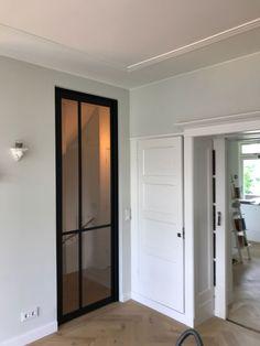 Old Doors, Bathroom Medicine Cabinet, Sweet Home, Villa, House Design, Windows, Steel, Living Room, Mirror