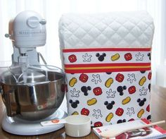 Mickey Mouse KitchenAid Mixer Cover- Now I just need the mixer! Minnie Mouse House, Mickey Mouse Kitchen, Disney Kitchen, Disney Dishes, Disney Quilt, Appliance Covers, Kitchen Aid Mixer, Kitchen Ware, Disney Home Decor