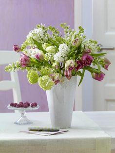 Ab sofort werden Schneebälle nicht mehr geworfen, sondern dekoriert. In Kombination mit Frühblüher Tulpe wird er zu einem warmen, erfrischenden Frühlingshauch.  http://wohnidee.wunderweib.de/dekoundgastlichkeit/bildergalerie-1477002-dekoundgastlichkeit/Fruehblueher-zum-Dekorieren.html?i=11=228