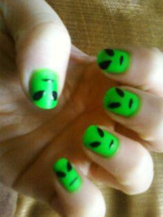 Alien fingernails