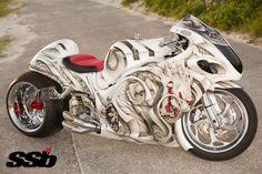 Custom 2012 Hayabusa With An Incredible Paint Job - Samurai Souza! Hyabusa Motorcycle, Suzuki Motorcycle, Moto Bike, Custom Street Bikes, Custom Sport Bikes, Custom Hayabusa, Vespa Scooter, White Motorcycle, Futuristic Motorcycle