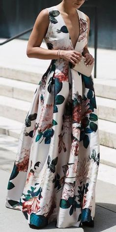 Floral Dress Stylish Floral Print Sleeveless Maxi Dress The post Floral Dress appeared first on Kleider Sommer. Source by tobiesickles floral dress Stylish Dresses, Elegant Dresses, Fashion Dresses, Maxi Dresses, Fashion Clothes, Woman Dresses, Dress Clothes, Belted Shirt Dress, The Dress