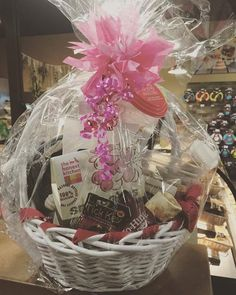 Valentine's gift basket. Love is I the air at The Dining Dog. #valentines #allentown #lehighvalley #dogs #pets #petgifts #cats http://ift.tt/2j0SPsK