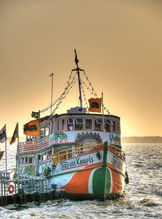 Tourists boat at Belém-PA, Brazil by Marcelo Mesquita. #barco