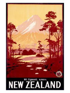 retro Mt Egmont, New Zealand illustrated poster. (Now Mt Taranaki) Pub Vintage, Photo Vintage, Vintage Art, New Zealand Art, New Zealand Travel, Vintage Travel Posters, Vintage Postcards, Tourism Poster, Kunst Poster