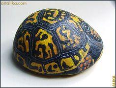 painted rocks: animals: box turtle