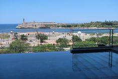 Infinity pool do Iberostar Grand Packard Havana - Cuba © Viaje Comigo Havana Cuba, Piscina Do Hotel, Infinity, Outdoor Decor, Traveling, Infinite