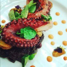 Pulpo grillado sobre romesco.negro y papas colombianas pil pil de pimenton rostizado y berro fresco #octopus #organic #watercress #grilled #romesco #foodie #foodporn #cook #cookordie #truecooks #TheArtOfPlating #realfood grilled octopus black romesco pil pil and watercress salad by eliseo_dub_martinez