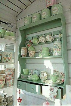Beautiful For my dining room! Shabby Chic Kitchen Shelf home kitchen decorate shabby chic teacups shelf display design ideas interior design The post For my dining room! Shabby Chic Kitchen S . Shabby Chic Kitchen Shelves, Cocina Shabby Chic, Shabby Chic Mode, Estilo Shabby Chic, Shabby Chic Living Room, Vintage Shabby Chic, Shabby Chic Furniture, Painted Furniture, Vintage Stil