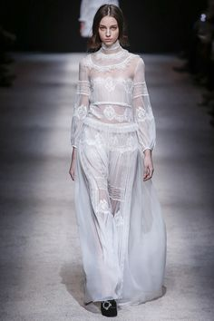 Alberta Ferretti Fall 2015 RTW Runway – Vogue