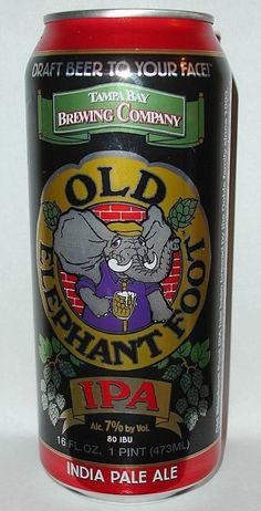 Cerveja Old Elephant Foot IPA, estilo India Pale Ale (IPA), produzida por Tampa Bay Brewing, Estados Unidos. 6.8% ABV de álcool.