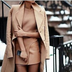 12 Outfit Color Combinations For When You're In A Fashion Rut Trendy Fall Outfits, Fall Outfits For Work, Classy Outfits, Stylish Outfits, Light Pink Skirt, Online Shopping, Best Maxi Dresses, Colored Tights, Ootd