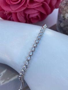 Bracelet tennis en argent 925 et cubiques zirconiums Bracelet Tennis, Bracelets, Diamond, Jewelry, Lobster Clasp, Jewlery, Jewerly, Schmuck, Diamonds
