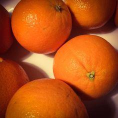 Fresh #soulfoto #orange #fruit #stilllife #colorgram #colourful #oranges #abmlifeiscolorful #abmhappylife  #livecolorfully #pastel_lover #pasteloftheday #colorlove #dscolor