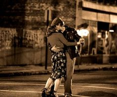 if a guy ever does something like this for me, i would melt. Noah and Allie = perfect love story
