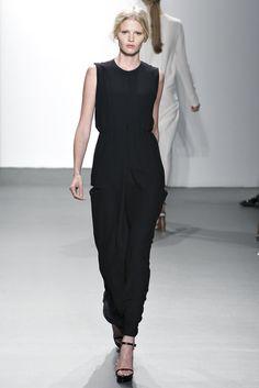 Calvin Klein Collection Spring 2011 Ready-to-Wear Fashion Show - Lara Stone