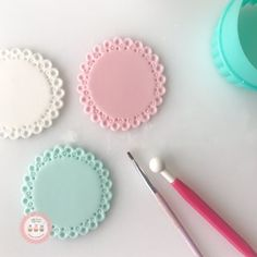 """2,307 Likes, 26 Comments - LadyBerryCupcakeSchool (@ladyberrycupcakes) on Instagram: """"So cathartic making pretty base toppers.... . #Pastels #toppers #prettypatterns #thefoundation…"""""""