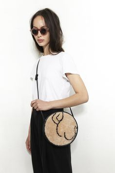 I want to be this girl. The one with the ass purse. I'm not kidding #rachelcomey