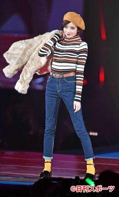 ベッキーのサプライズ登場にファン悲鳴、どよめき #ベッキー Kawaii, Entertaining, Choices, Beauty, Style, Fashion, Beleza, Moda, La Mode