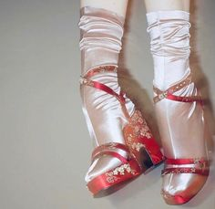 Dr Shoes, Me Too Shoes, Shoes Heels, Ballet Shoes, Dance Shoes, Look Fashion, Fashion Shoes, Fashion Outfits, Womens Fashion