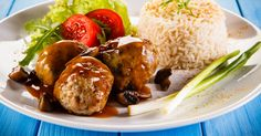 How to make pineapple soy meatballs in a slow cooker 6 Quart Slow Cooker, Ground Chicken, Mets, Pulled Pork, Potato Salad, Food To Make, Pineapple, Good Food, Garlic